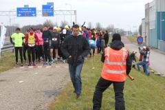 2013 03 10- Afsluitdijkrun 2013 09 - de Lopers voor de start - foto Rients Jorna (9)